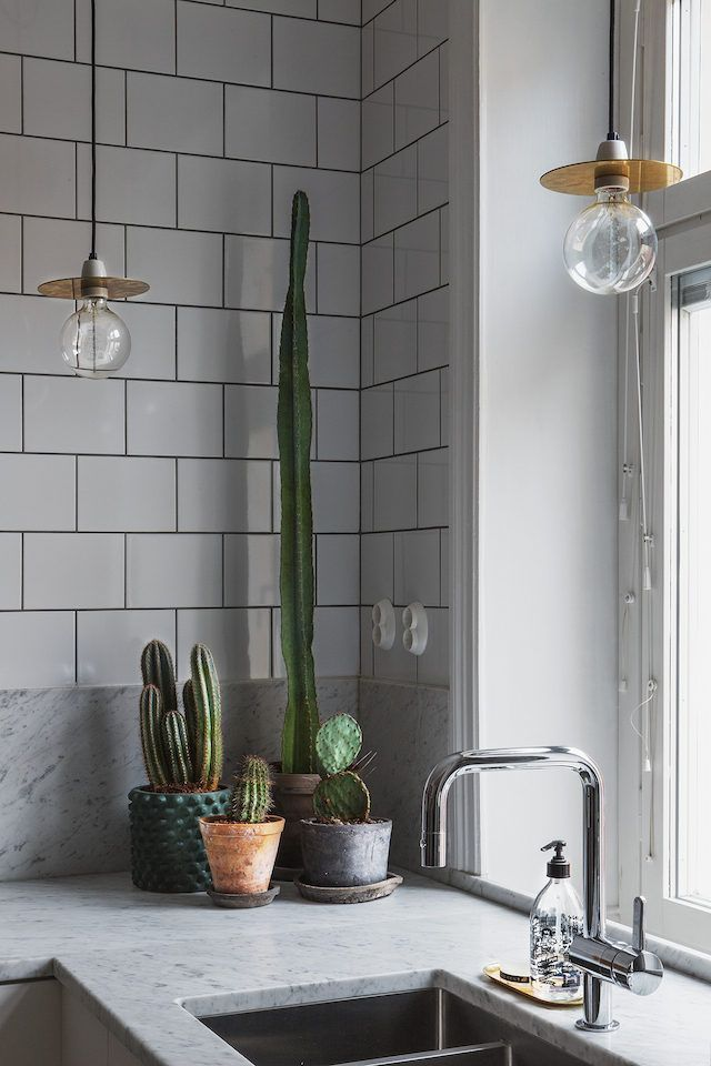 Monochrome touches in a Stockholm pad (my scandinavian home)