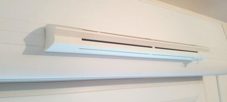 Poser une grille d'aération fenêtre : http://www.maisonentravaux.fr/fenetres/fenetre-pvc-alu-bois/poser-grille-aeration-fenetre/