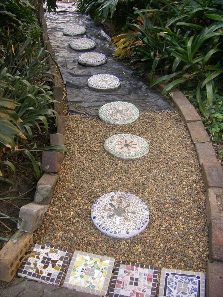 Marvelous This Is The Front Pathway I Mosaiced The Old Round Pavers