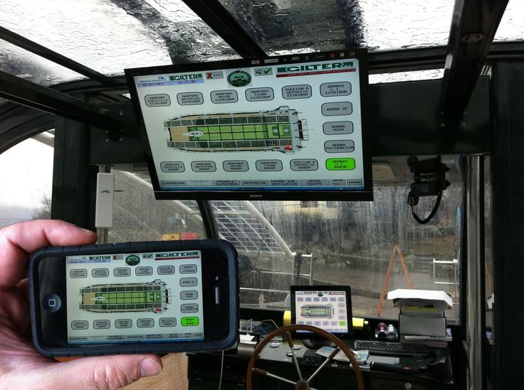 La tecnología de última generación con la que se ha construído el catamarán permite ver y controlar en remoto todos los parámetros del barco