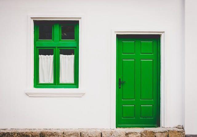 How To Stop A Door From Slamming 5 Anti Door Slam Ideas Green Door Spring Home Tiny House Movement