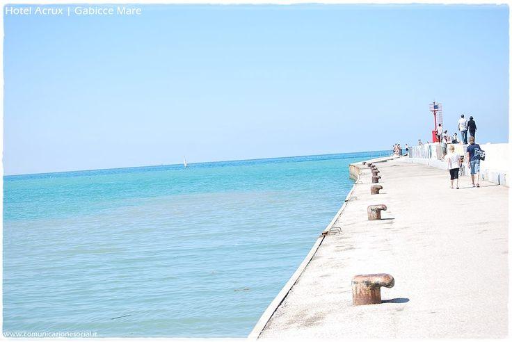 Gabicce (Marche) - Hotel Acrux. #gabiccemare #gabicce #mare #hotelacrux #spiaggia #sole #estate #vacanze #relax #rivieraromagnola Seguici su https://www.facebook.com/HotelAcrux