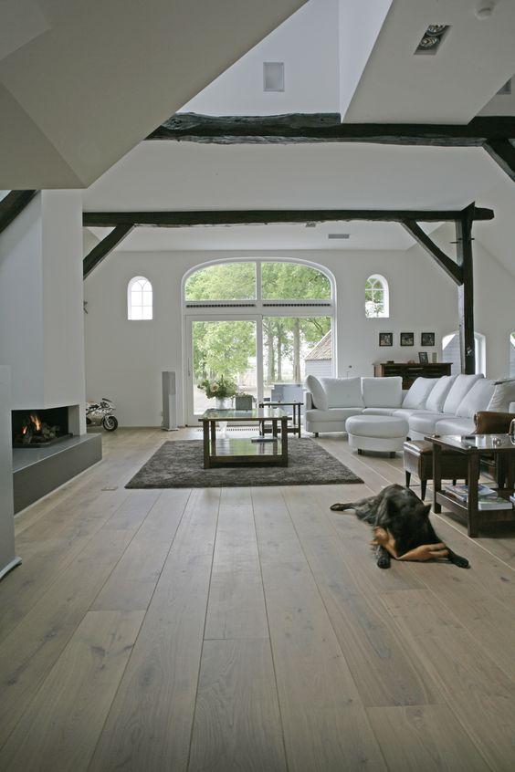 les 28 meilleures images du tableau parquet ch ne gris sur pinterest accueil atelier et bois. Black Bedroom Furniture Sets. Home Design Ideas