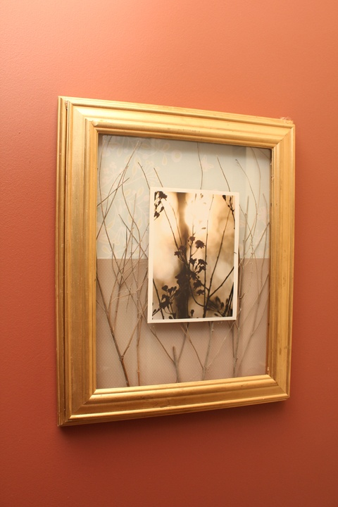 365 Days to Simplicity: How to make a Shadow Box Frame.  I'm going to try this before I attempt to make a shadow box for my wedding dress.  Looks very easy...and beautiful!