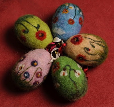 felted eggs - so pretty!