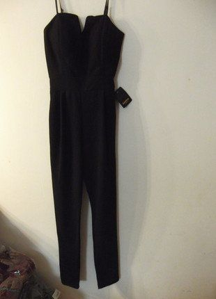 À vendre sur #vintedfrance ! http://www.vinted.fr/mode-femmes/combinaisons/38352083-combinaison-bustier-noire-slim-en-bas