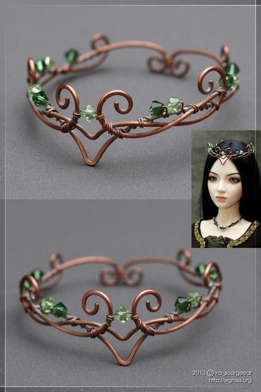I couldn't resist this.  It reminds me of my daughter's wedding veil that I made for her without the fabric.  I know that my granddaughter will like this if I make one to fit her.  She will go nuts.  I'M MAKING THIS!!   In child size, not Doll size, but this would make a pretty circlet for RenFest. (Russian)