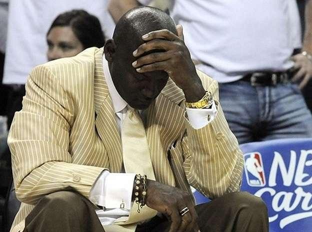 Jordan no pega una como dueño de los Bobcats, que tienen el peor récord de la liga y pierden una fortuna en cada temporada. Jugar era más fácil... http://www.ole.com.ar/basquet/