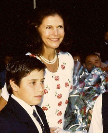 Drottning Silvia grattade skola | Latinamerika.nu