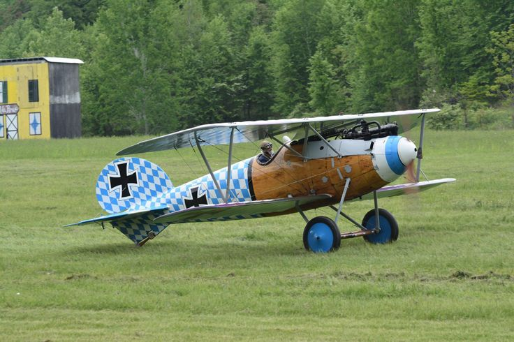 22 best wwi and wwii airplanes images on pinterest aircraft 1918 german albatros at old rhinebeck aerodrome ny with the new livery finished this year 2014 germanwwiiairplanesworld publicscrutiny Image collections