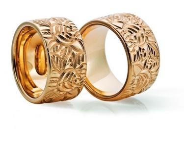 Trauringe Ahlen  R o s e goldring, in 585   Ringbreite: 12,0 mm,  Ringhöhe: 2,5 mm,  Oberfläche: Muster gefräst  Auch in Weissgold und Platin erhältlich - Preis auf Anfrage