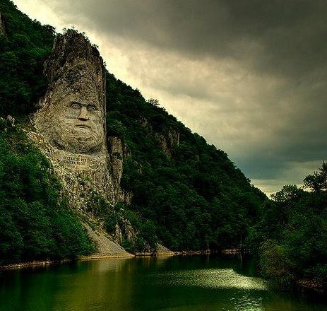 An impressing photo of king Decebal's statue on the Danube river between Eselnita and Dubova. Romania is absolutely fascinating!