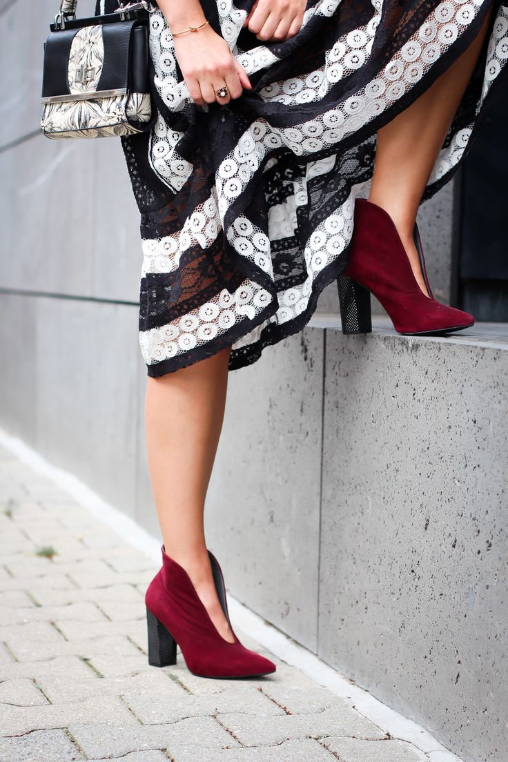 black and white midi dress gothic inspired summer streetstyle closet london peter kaiser marble print berlin look berlinstyle fashion blogger germany berlin samieze