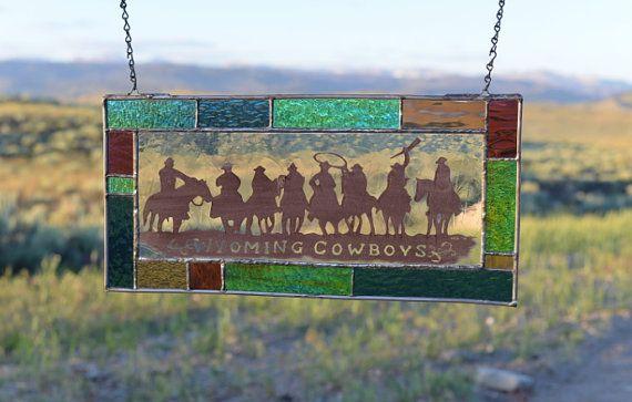 Corde  um Up Cowboys ! Cette pièce est vraiment unique avec 8 chevaux à cheval sur les sentiers de saleté Wyoming « Cow-Boys du Wyoming » de