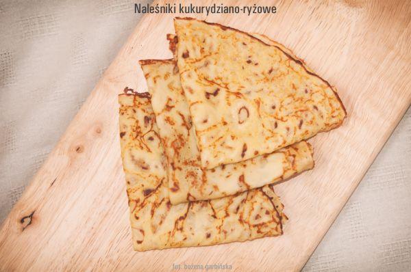 Naleśniki bezglutenowe z mąki kukurydzianej, ryżowej i ziemniaczanej i mlekiem ryżowym. Są bardzo smaczne. Jeden naleśnik o wadze ok. 47g ma 2,3 wymiennika, w tym 1,8 WW i 0,5 WBT. 100g naleśnika ma 255 kcal.