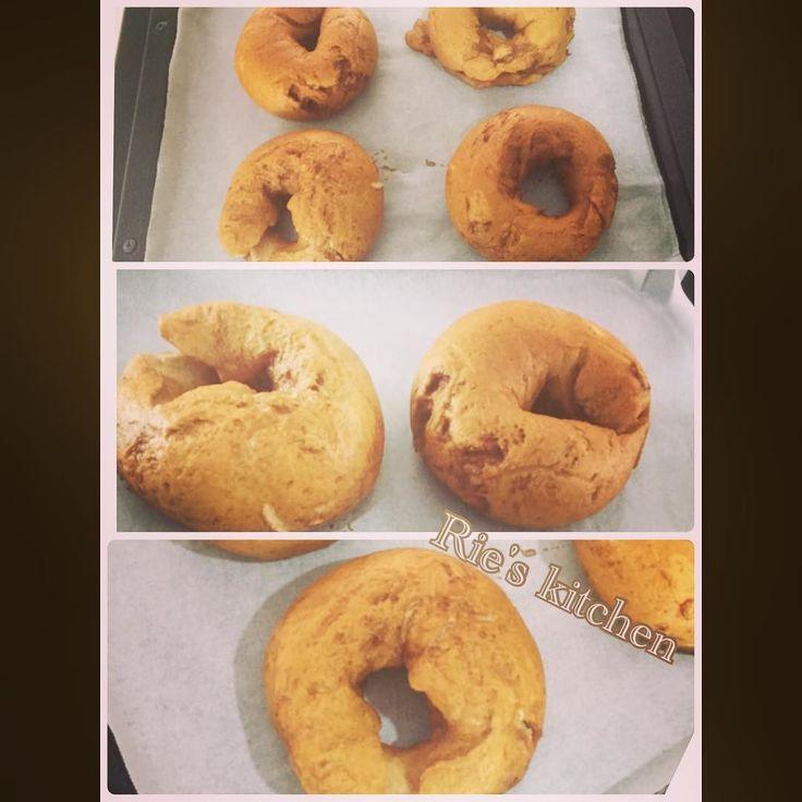 久々のベーグル #イチジクとクリームチーズのベーグル モルトで焼き色バッチリ #ベーグル #ホームメイド #手作りパン #イチジクとクリームチーズベーグル #beagle #homemade #homemadebread #lovebeagles #bread