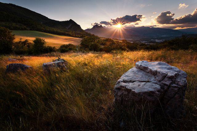 Couché de soleil en Provence des montagnes, Sisteron