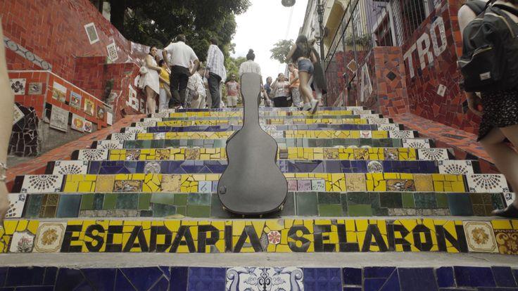Una gira única en homenaje a #PacodeLucía, un documental, un disco, un concierto... #laguitarravuela