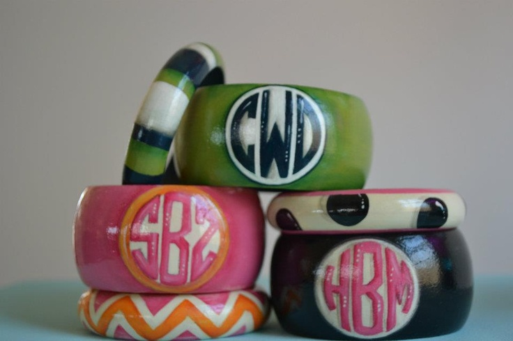 Monogrammed bangles!Graduation Gift, Fashion, Style, Monograms Bangles, Gift Ideas, Preppy, Jewelry, Monograms Bracelets, Bridesmaid Gift