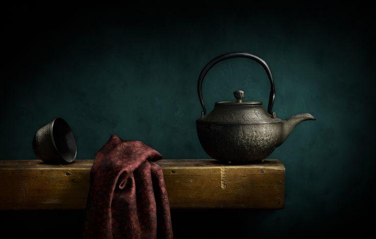 haroldrossfineart.files.wordpress.com 2016 11 still_life_with_teapot_and_red_cloth.jpg