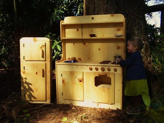 Wooden Play Kitchen...every child needs a kitchen like this!!!!;p