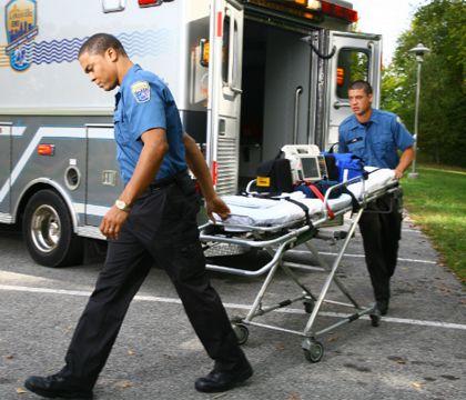 ΕΙΔΙΚΟΤΗΤΑ ΔΙΑΣΩΣΤΗΣ: Γιατί το παραϊατρικό προσωπικό δεν πρέπει να τρέχε...
