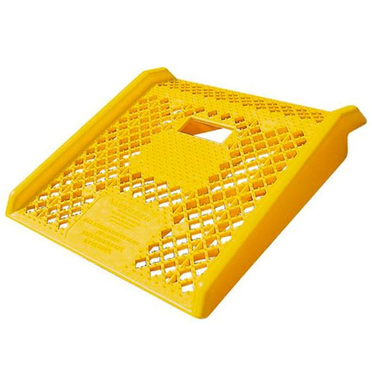 "Magliner Polyethylene Curb Ramp 27"" x 27"" 