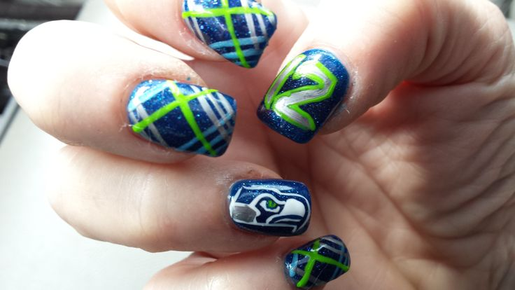 Seattle Seahawks Nail Design