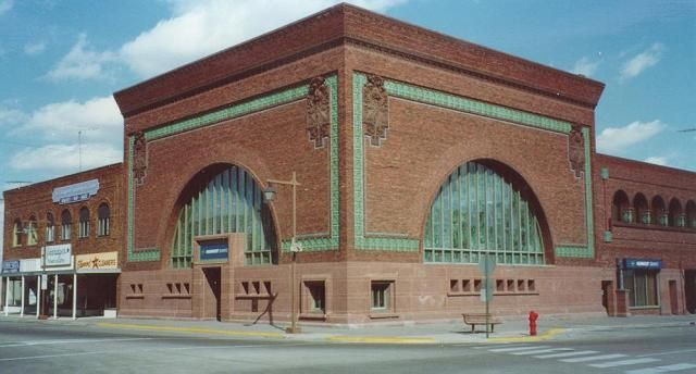 A gorgeous example of Prairie School Commercial architecture: Bank by Louis Sullivan, Owatonna, MN. Louis Created several 'Jewel Box' banks in small cities throughout the midwest.