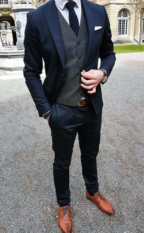 THE DROP | Bespoke suits made for you. Navy slim fit suit with grey waistcoat #w… – Jessica Villers