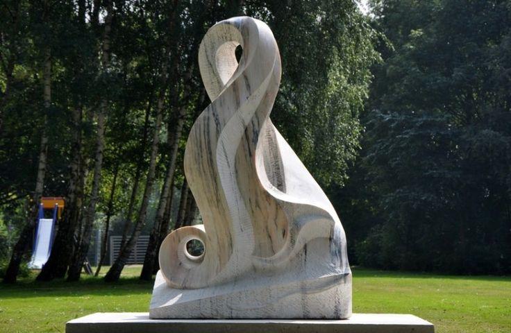 Sculptuur Madridweg Vlaardingen l Beeldhouwer Jan-Carel Koster   Sculptor Jan-Carel Koster   Sculptures in stone and wood. #marble #sculptures #beeldhouwer #beeldhouwwerk
