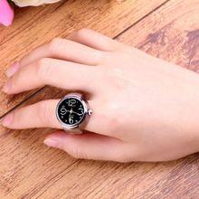 Creativo de Moda de Acero Anillo de Dedo Del Cuarzo Elástico Redondo Del Reloj de Señora Girl de navidad Elegante Dedo Anillo Reloj relojes de estilo(China (Mainland))