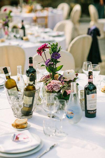 Table setting in Chianti Classico. ©Con Amore.- Romantische bruiloften in Toscane.