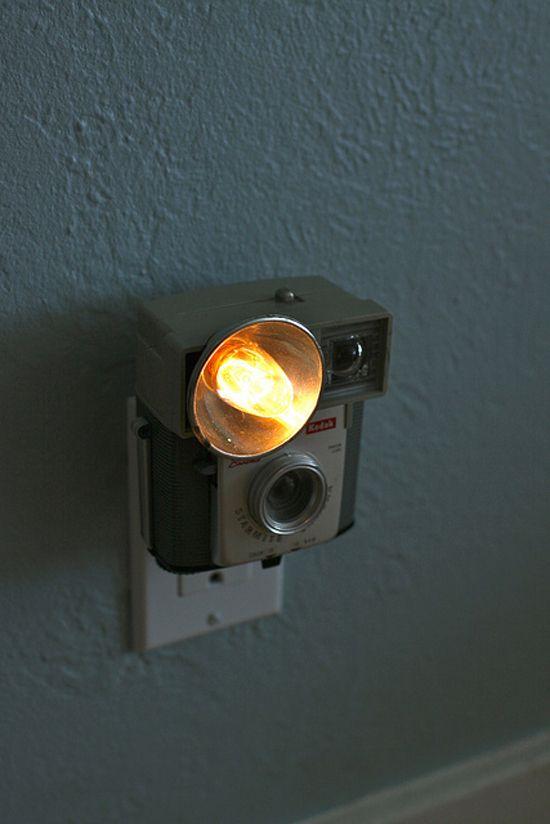 vintage camera nightlight - oh myVintage Lamps, Cameras Turn, Night Lights, Cute Ideas, Vintage Cameras, Cameras Nightlight, Cool Ideas, Retro Camera, Old Cameras