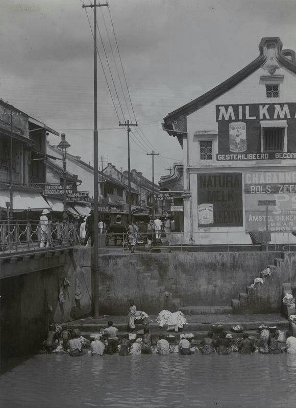 Wasplaats bij Pasar Baroe te Batavia. 1920