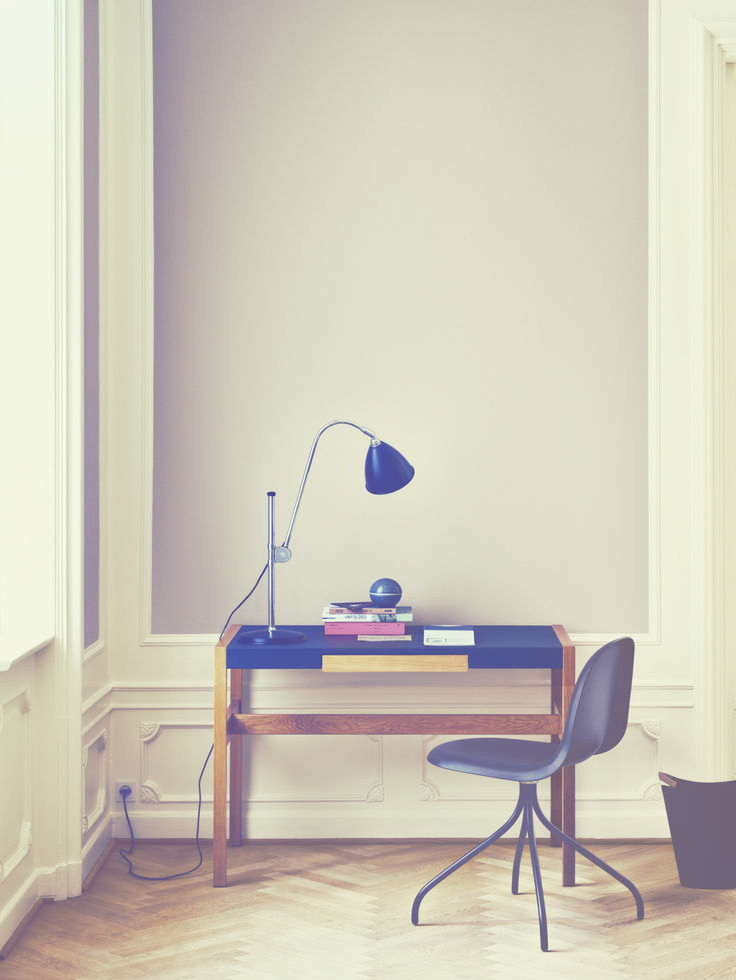 This represents a lot of the things I aspire to in relation to my own workspace...: Wall Colors, Design Inspiration, Workspaces Inspiration, Office Designs, Offices Design, 60 Workspaces, Work Spaces, Desks Inspiration, Home Offices