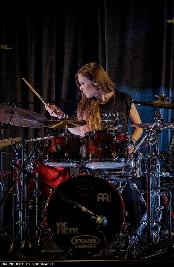 Anika Nilles Live by Francesco Desmaele