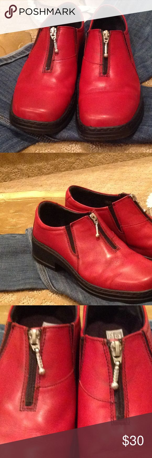 JOSEF SEIBEL RED LADIES SHOE GREAT WORN CONDITION ARE THESE JOSEF SEIBEL RED LEATHER SHOE. TOP ZIP. SOME MARKS WHERE ZIPPER MOVES.. SMALL SCRATCH ON FRONT, THESE SMALL BLEMISHES TAKE NOTHING AWAY FROM THE LOOK AND GREAT STYLE OF THIS SHOE😍😍😍 Josef Seibel Shoes