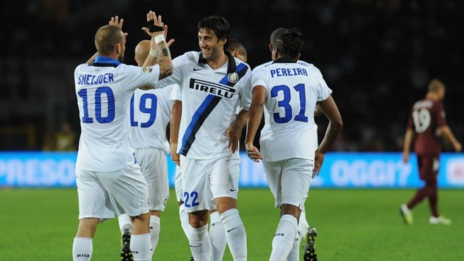 #elprincipedebernal Diego Alberto #Milito ( FC Internazionale Milano)  Diego Alberto Milito (C) of FC Internazionale Milano celebrates with his team-mates after scoring during the Italian Serie A match against Torino FC