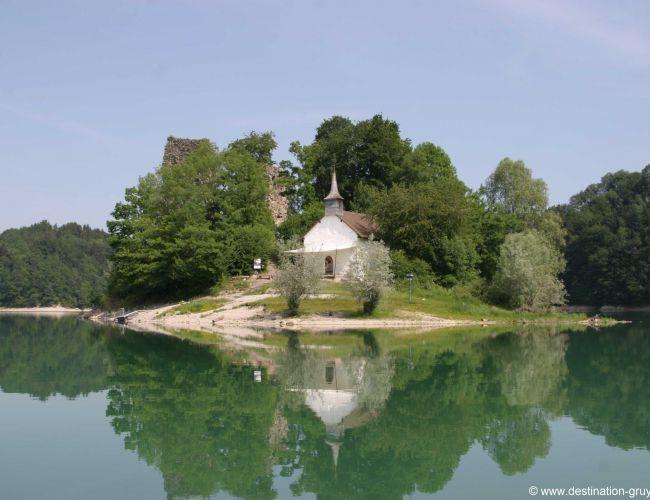 L'île d'Orgoz sur le lac de Gruyère (FR)