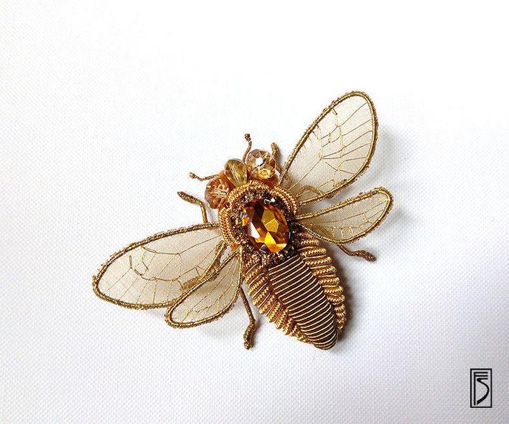 Купить брошь abeille - золотой, брошь, насекомое, пчела, брошь-насекомое, крылья, goldwork, канитель