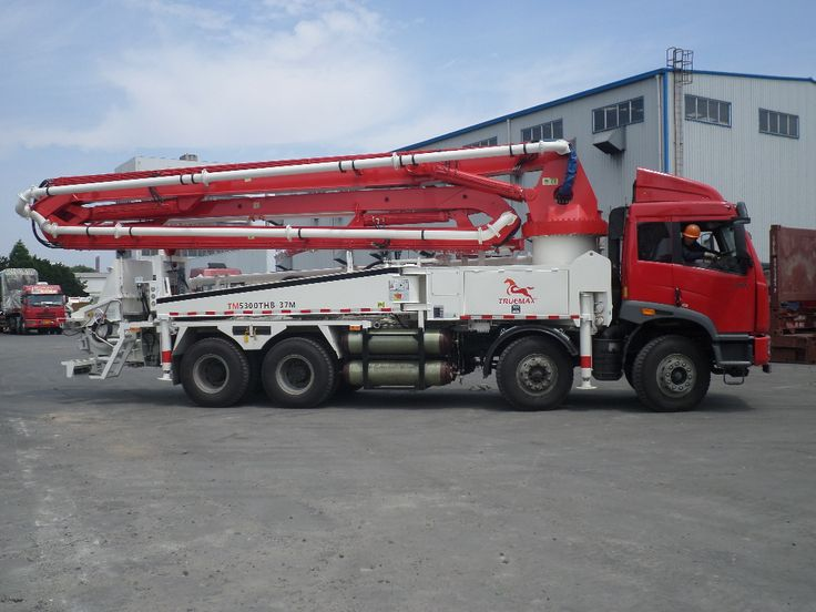 The Truemax 38-Meter Roll Fold concrete boom pump is our number one best seller for concrete pumping projects (foundations, floors, etc.),