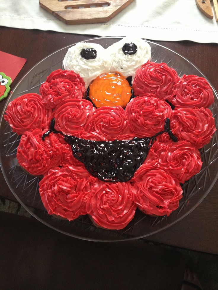 Elmo Birthday cupcakes fruit instead of frosting?