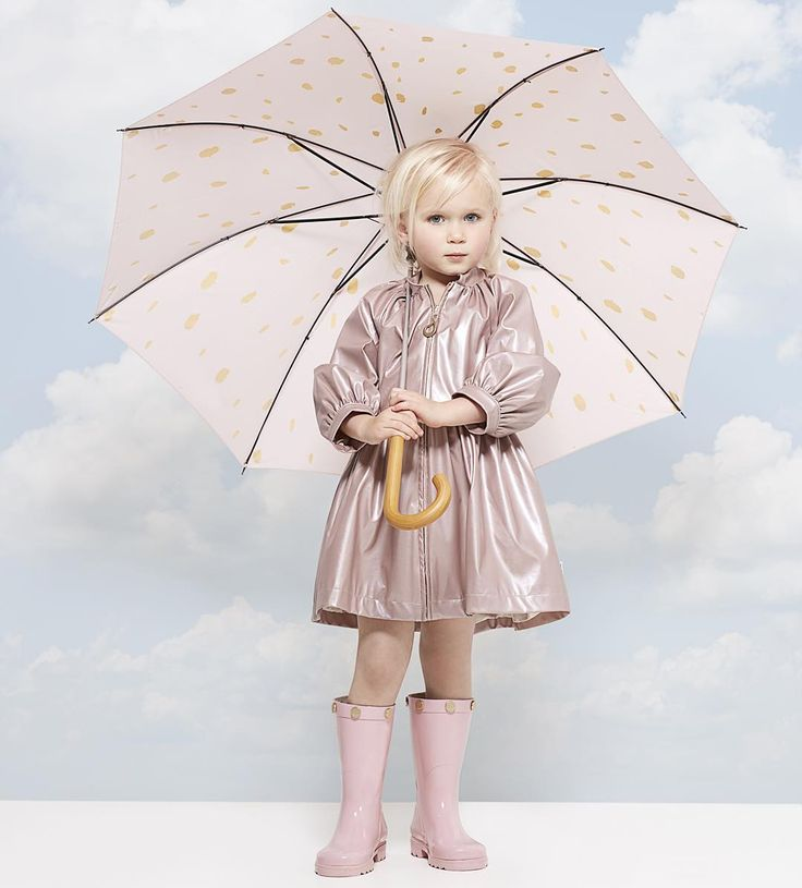 Rainwear: Oil and water rainwear ❤