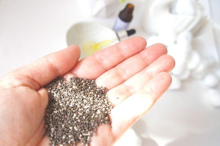 Olej z nasion Chia to wspaniały produkt, cechujący się naturalnymi właściwościami zdrowotnymi i pielęgnacyjnymi, dzięki bogatemu składowi cennych substancji