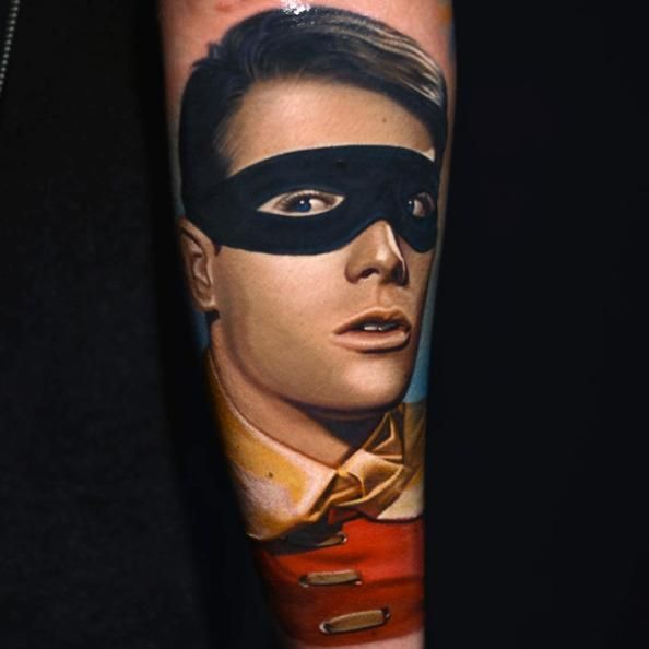 http://www.tattooesque.com/robin-tattoo-by-nikko-hurtado/