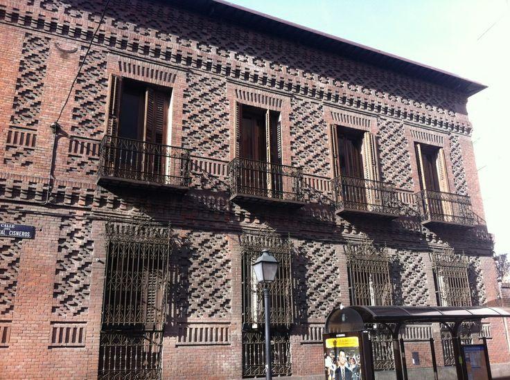 Publicamos el Instituto Homeopático y Hospital de San José, en Madrid. #historia #turismo http://www.rutasconhistoria.es/loc/instituto-homeopatico-y-hospital-de-san-jose