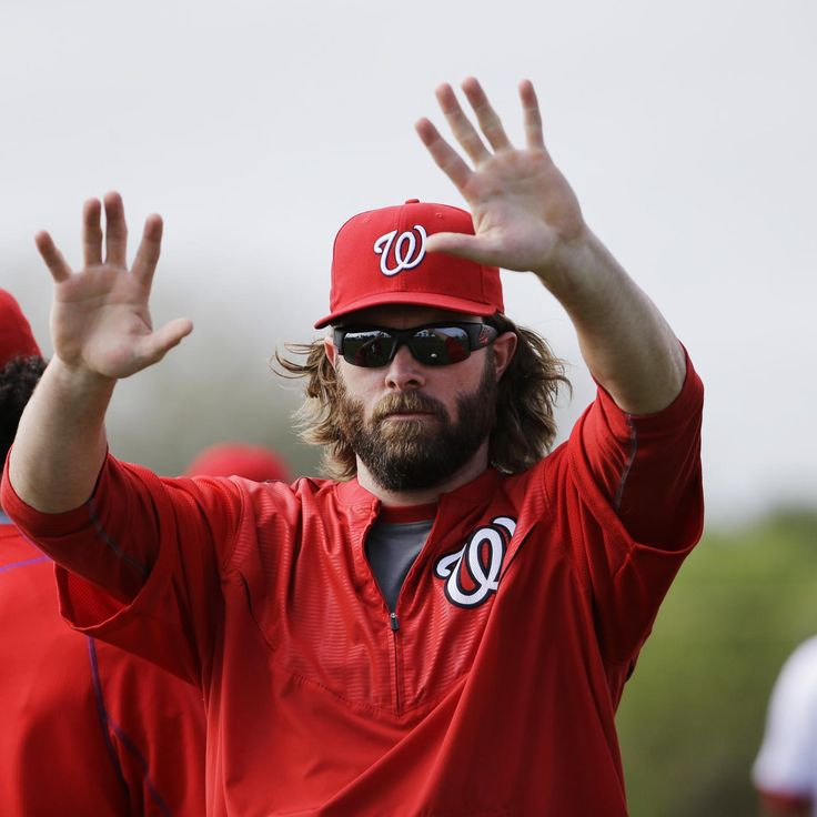 Washington Nationals  star outfielder  Jayson Werth  began taking cuts at spring training Wednesday—an encouraging sign in his road back from arthroscopic shoulder surgery...