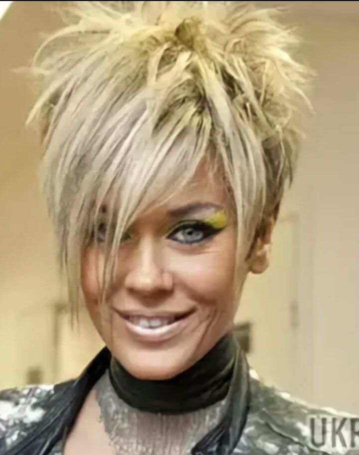 49+ Funky short haircuts for women inspirations