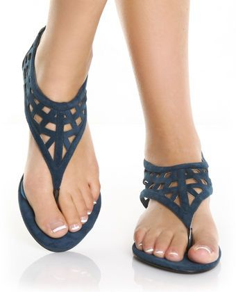 love these, they look like they'll actually stay on your feet!